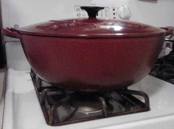 Le Creuset bouillabaisse pot, 7.5 quart.